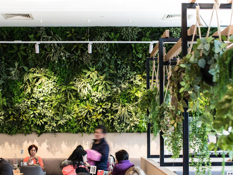 Indoor-Artificial-Garden-Cafe-Design