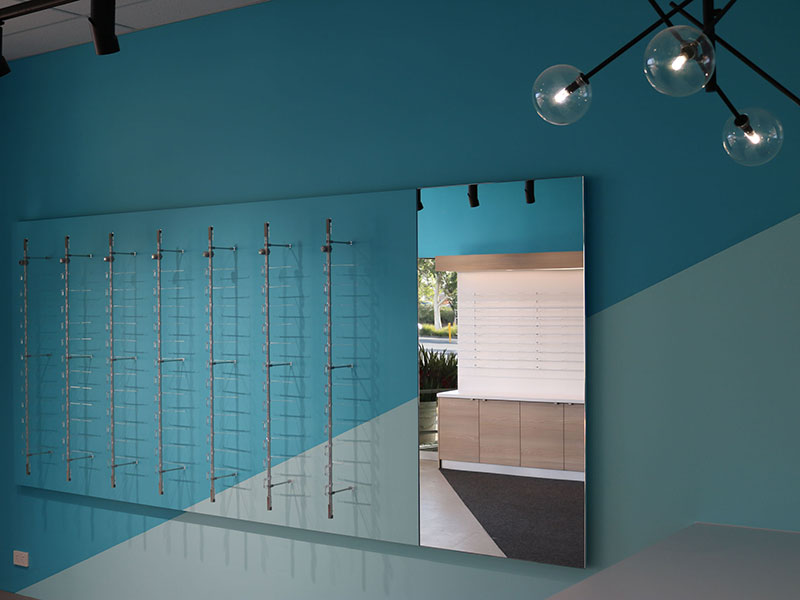 Lockable-Frame-Display-Optom-Fit-Out